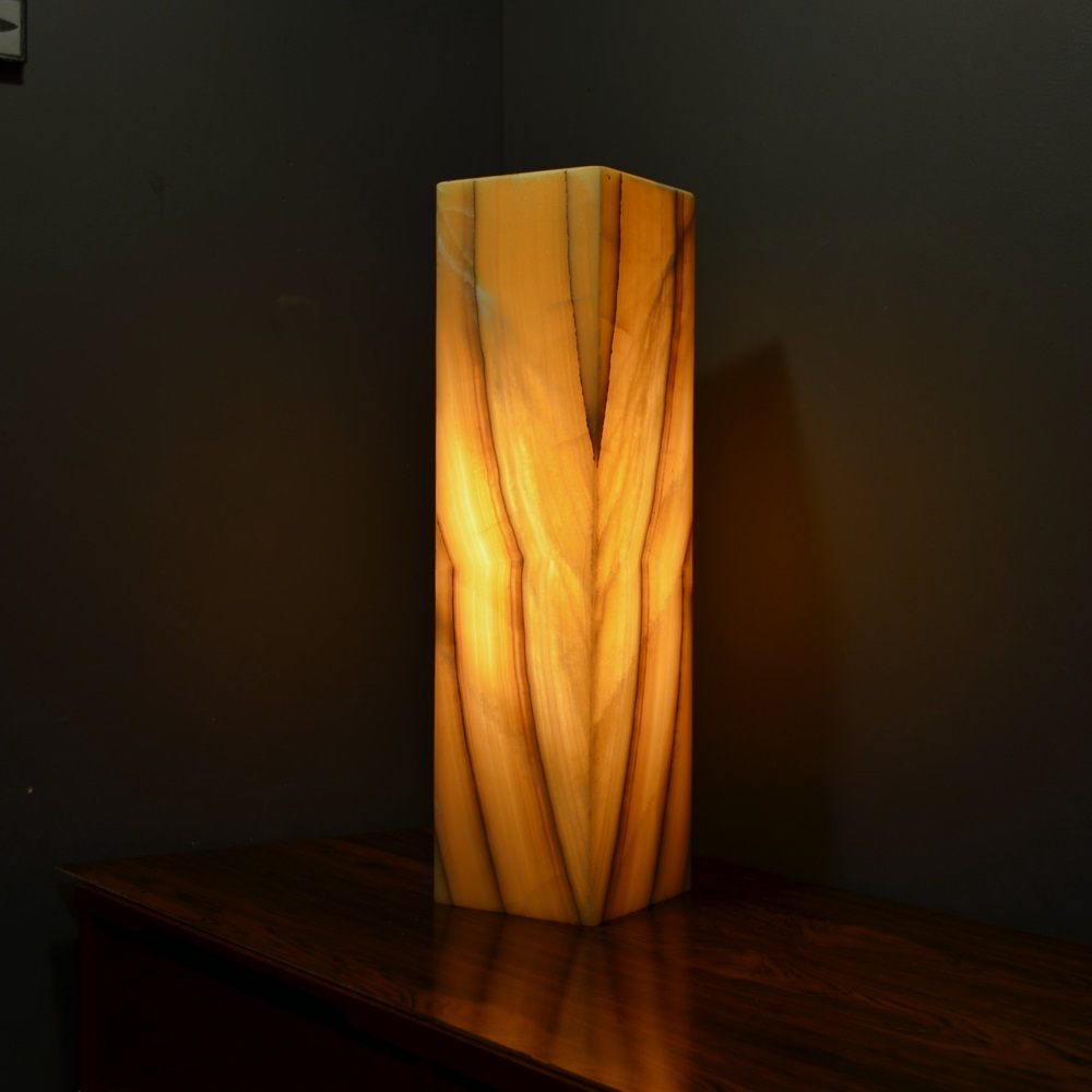 Onyx Table Lamp 8ab