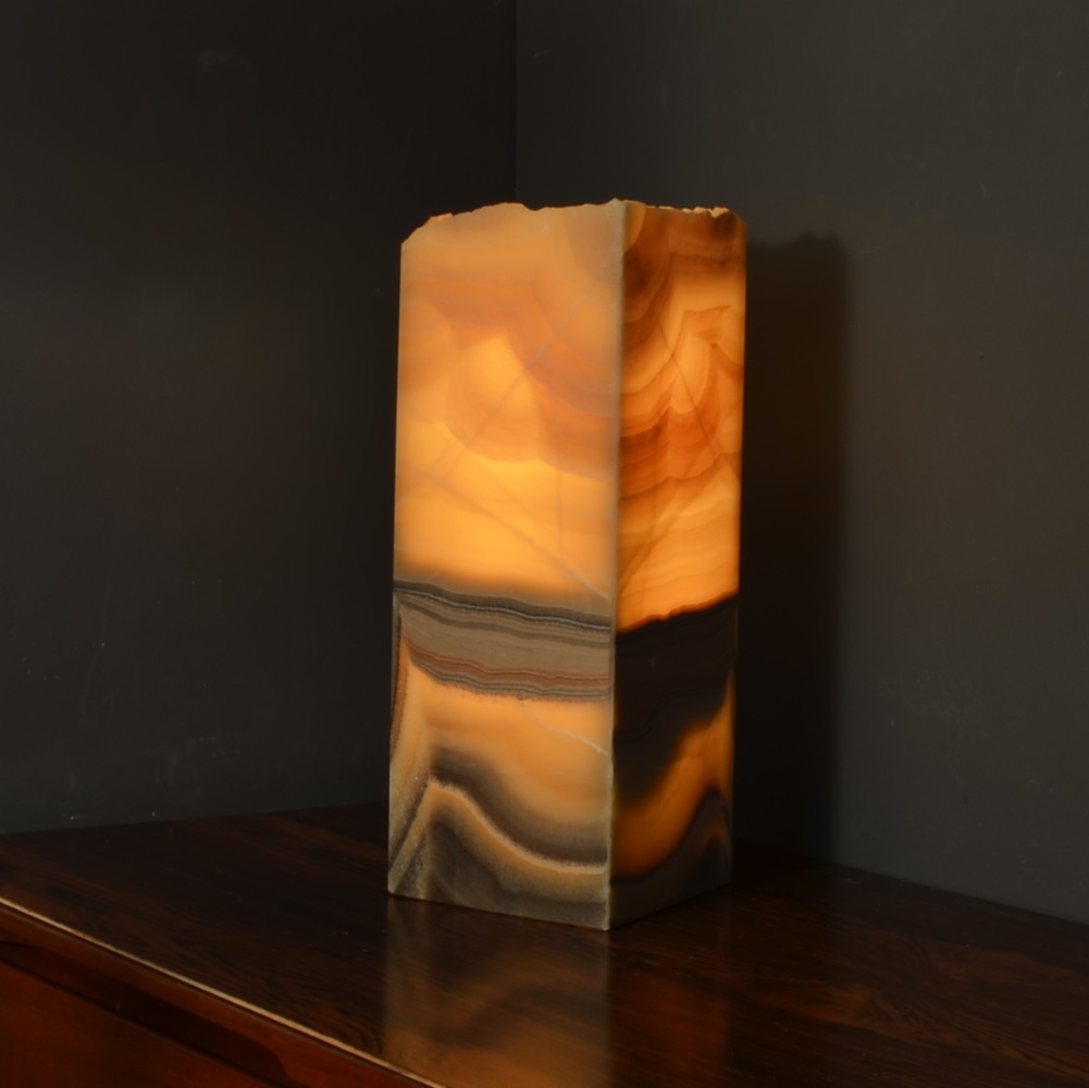 Onyx Table Lamp 9ab