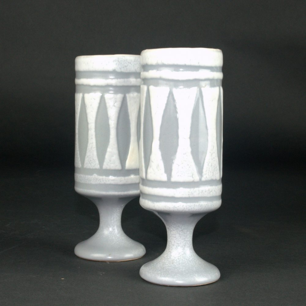 Set Of 2 Ceramic Mugs With Grey Motive By Roger Capron 1 (2)