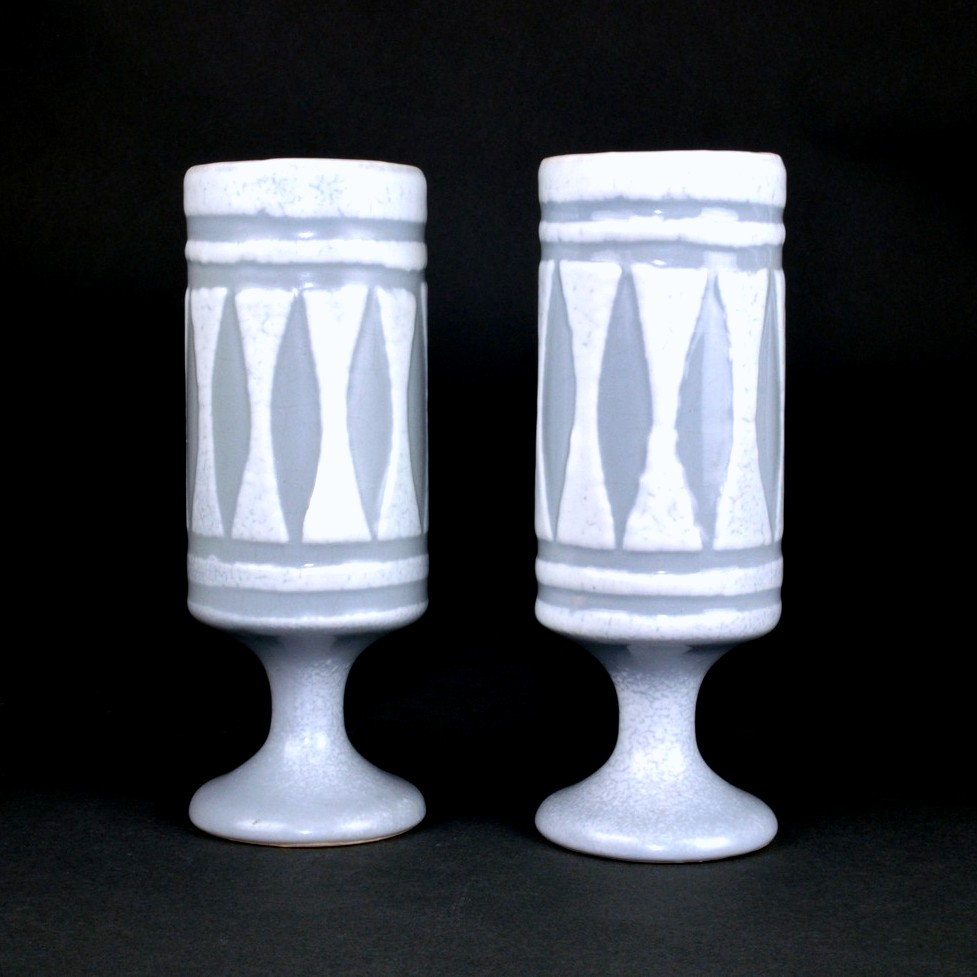 Set Of 2 Ceramic Mugs With Grey Motive By Roger Capron 1