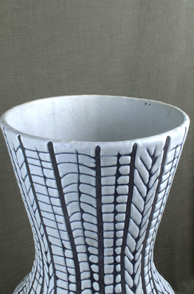 Rare Black And White Ceramic Vase By Roger Capron Closeup